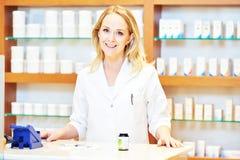 Retrato pharmacutical femenino del químico foto de archivo libre de regalías