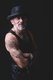 Retrato positivo del hombre en oscuro Imagen de archivo libre de regalías