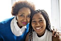 Retrato próximo afro-americano da mãe e da filha imagens de stock royalty free