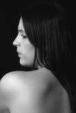 Retrato preto & branco da fêmea bonita imagens de stock royalty free