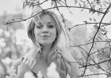 Retrato preto e branco da menina Imagens de Stock Royalty Free