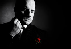 Retrato preto e branco do homem, padrinho-como o caráter fotos de stock royalty free
