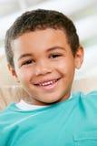 Retrato principal y de los hombros del muchacho joven imágenes de archivo libres de regalías