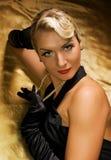 Retrato retro de la mujer encantadora Foto de archivo