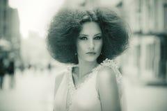 Retrato retro estilizado de uma mulher lindo Fotografia de Stock Royalty Free