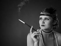 Retrato retro-labrado monocromático de la señora foto de archivo