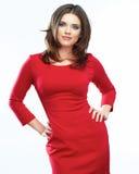 Retrato rojo del vestido de la mujer aislado en el fondo blanco Sonrisa Imagenes de archivo