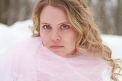 Retrato rosado de la mujer del invierno Fotografía de archivo libre de regalías