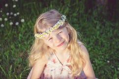 Retrato rubio precioso de la muchacha Imagen de archivo libre de regalías