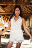 Retrato 'sexy' de uma menina asiática bonita no verão Foto de Stock