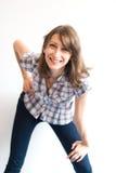 Retrato sonriente joven de la mujer imagen de archivo libre de regalías