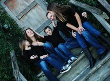 Retrato torpe de la familia Fotos de archivo