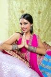 Retrato triguenho indiano bonito da mulher fotografia de stock