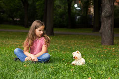 Retrato triste de la muchacha. Fotografía de archivo libre de regalías
