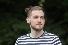 Retrato triste do homem novo dos olhos Imagens de Stock