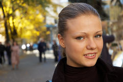 Retrato urbano de una muchacha - 2 Foto de archivo libre de regalías