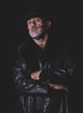 Retrato urbano del hombre en oscuro Imagen de archivo libre de regalías