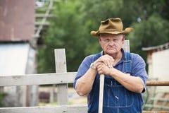 Retrato velho frustrante do fazendeiro Fotos de Stock Royalty Free