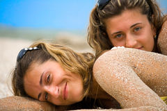 Retratos en una playa fotografía de archivo libre de regalías