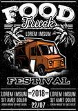 Retro affiche voor uitnodigingen op het festival van het straatvoedsel met voedselvrachtwagen stock illustratie