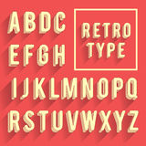 Retro alfabeto del manifesto Retro fonte con ombra Alfabeto latino le Immagini Stock