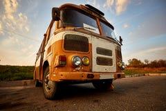 Retro- alter Sowjet verrostete Bus lizenzfreies stockbild
