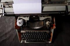 Retro- angeredetes Bild einer alten Schreibmaschine Lizenzfreie Stockfotos