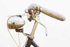 Retro- angeredetes Bild eines Fahrrades des 19. Jahrhunderts mit Laternen-ISO Stockfotografie