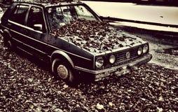 Retro annata di vecchia dell'automobile fotografia di autunno Immagini Stock