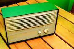 Retro apparecchio radioricevente fotografie stock libere da diritti