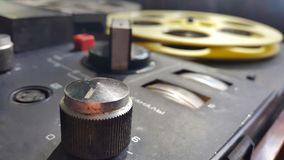 Retro- Audiospieler Magnetband für Tonaufzeichnungen Lizenzfreie Stockfotos