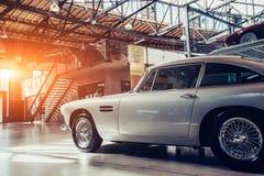 Retro auto Royalty-vrije Stock Foto's