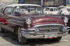 Retro- Auto Buick-Jahrhundert Lizenzfreie Stockfotos