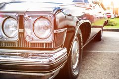 Retro auto Close-up van koplampen van uitstekende auto tentoonstelling Vint royalty-vrije stock fotografie