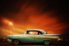 Retro auto en zonsondergang, Havana Stock Foto