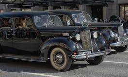 Retro auto op een militaire parade royalty-vrije stock foto's
