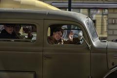 Retro auto op een militaire parade royalty-vrije stock foto