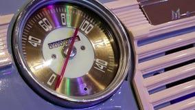 Retro- Autogeschwindigkeitsmesser stock video footage