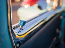 Retro- Automobil lizenzfreie stockfotografie