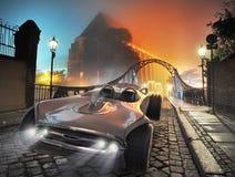 Retro automobile brillante nella vecchia città fotografia stock