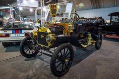 Retro automobile Ford Model T che visita, 1914 Immagine Stock