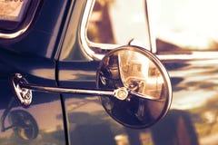 Retro automobile laterale dello specchio Fotografia Stock Libera da Diritti