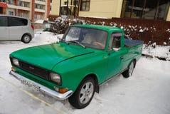 Retro automobile nel parcheggio Fotografia Stock
