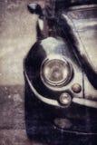 Retro automobile, primo piano del faro Foto di vecchio stile Immagini Stock Libere da Diritti