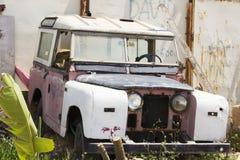 Retro automobile rosa immagine stock