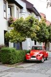 Retro automobile rossa Immagini Stock