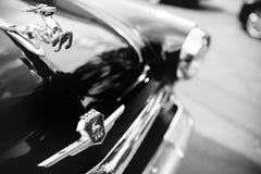 Retro automobile russa sovietica Volga immagini stock