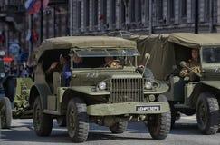 Retro automobile su una parata militare Fotografie Stock