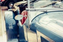 Retro- Autonahaufnahme des Teils Schöne Arttransportausstellung Stockfotografie