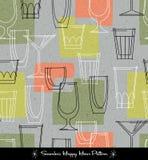 Retro bezszwowy wzór różnorodni zarysowani koktajli/lów szkła Obrazy Royalty Free